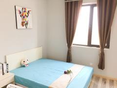 新华阳光公寓 194m² 南 整租