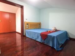 温馨家园 4居室 D卧